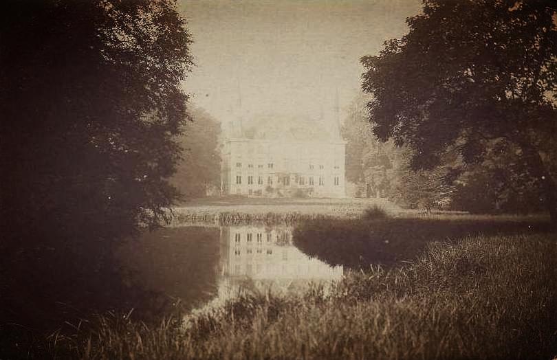 Vue du Château du Bois à Allennes les Marais