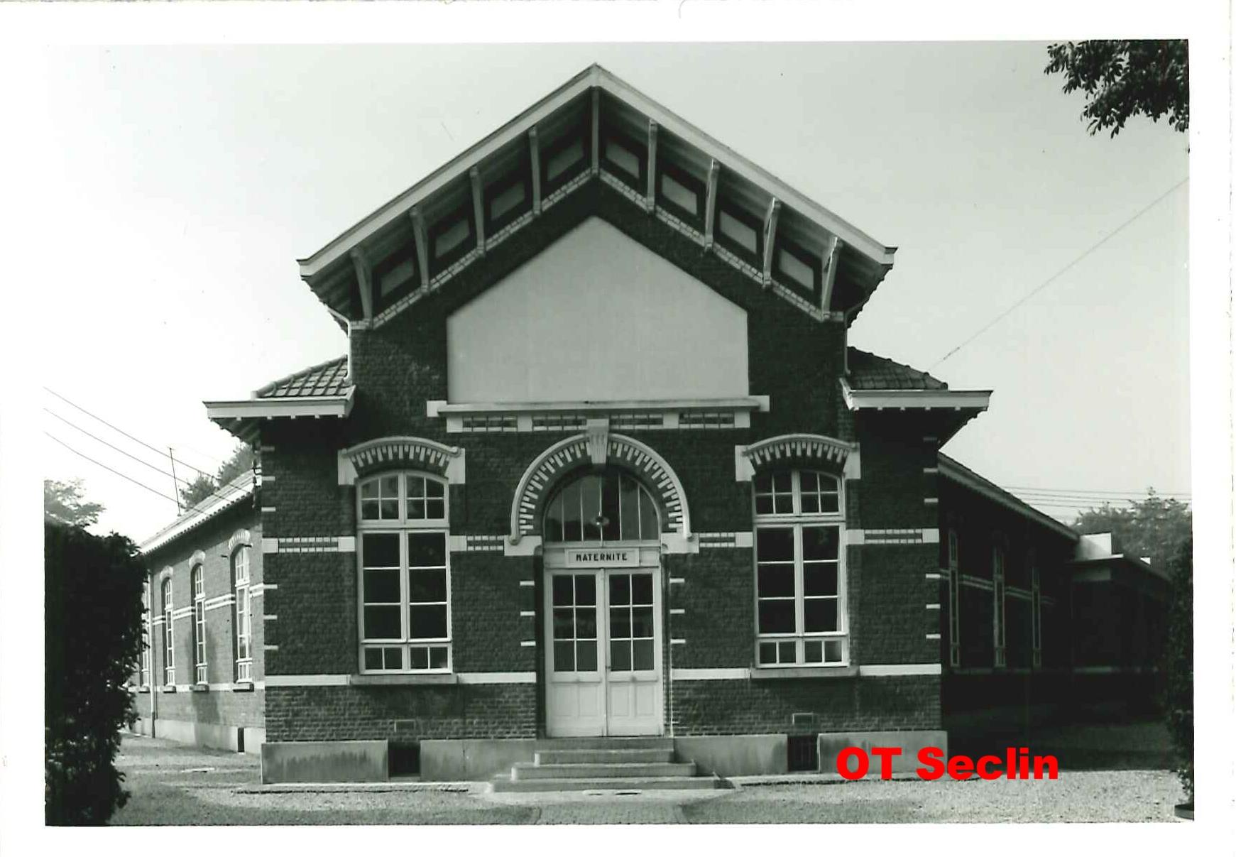 Pavillon de la Maternité, entrée Avenue des Marronniers (Seclin)