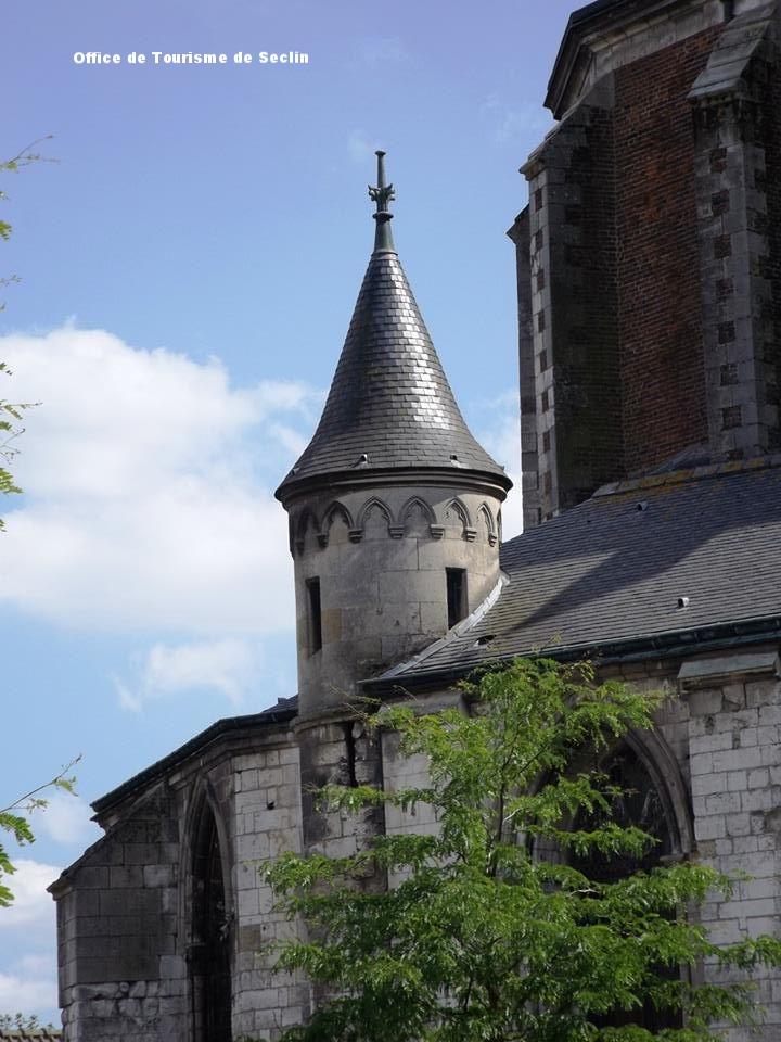 Collégiale St Piat de Seclin - La petit tour menant à la charpente (interdite au public). Domaine d'investigation épigraphique pour l'avenir.