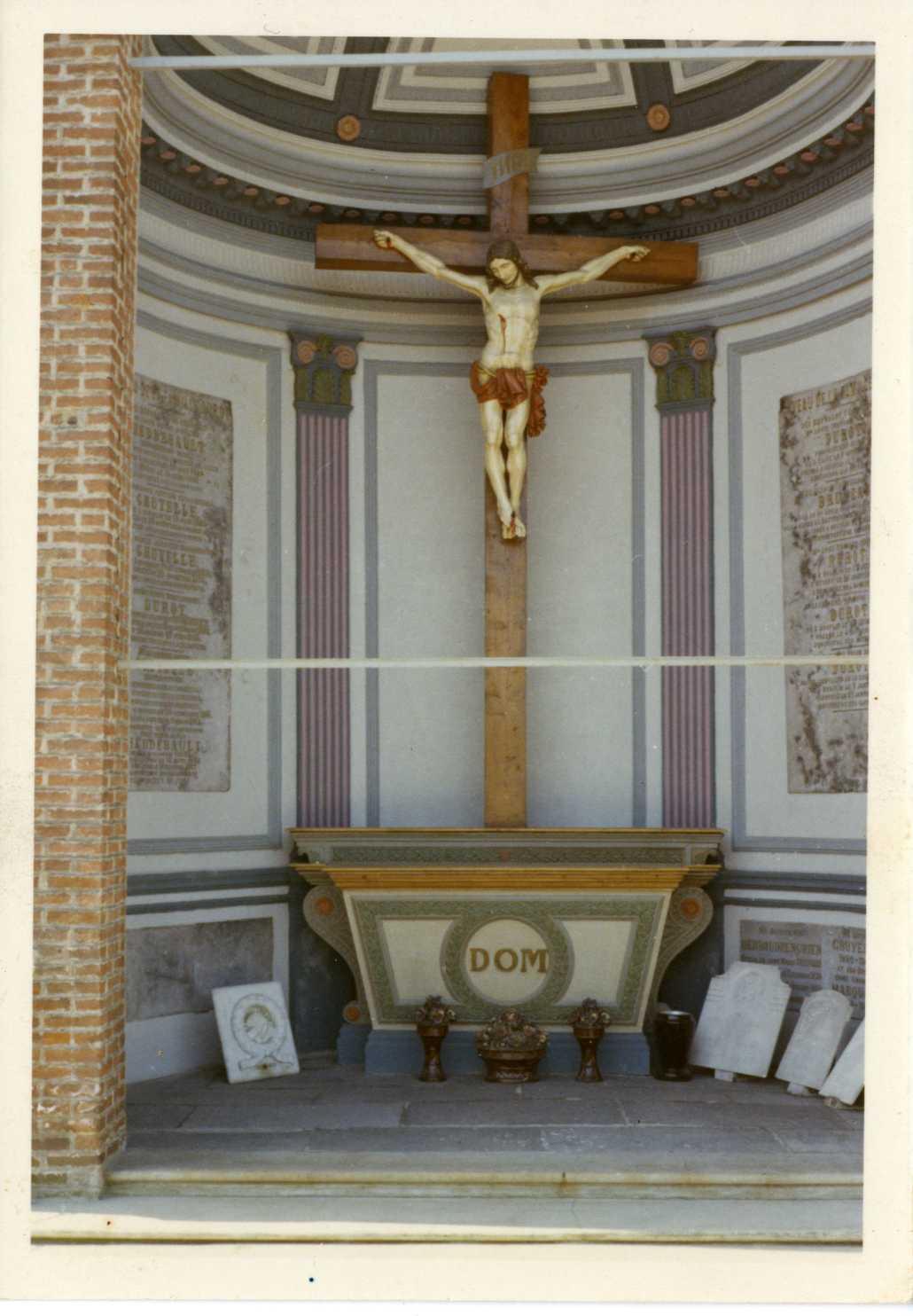 La chapelle familiale Heddebault-Gruyelle (Houplin-Ancoisne) cliché pris dans les années 1970
