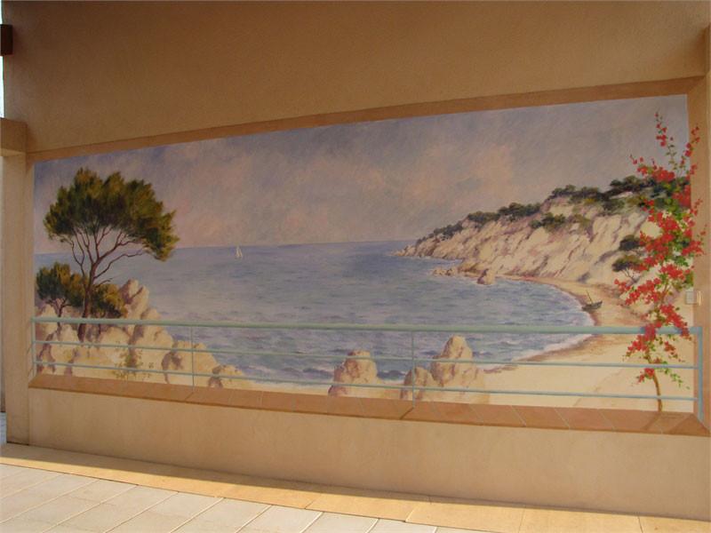 Le petit voilier accentue la profondeur de champ de vision de la fresque.
