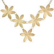 Collier plastron 5 fleurs martelées Herbier, dorure à l'or fin