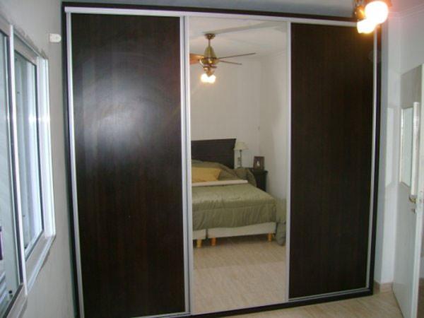 Placard con 2 puertas melamina 1 puerta espejo