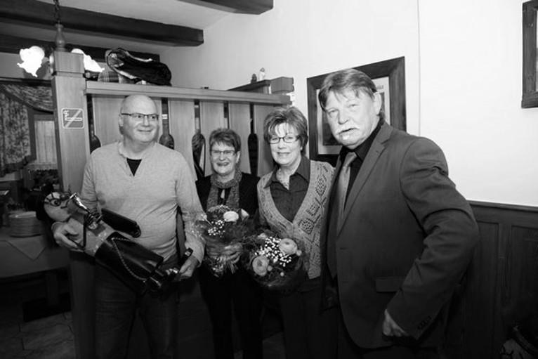 v.l. der neue Obmann Peter Lanz mit den scheidenden Vorstandsmitgliedern Dagmar Thaler, Lilo Koller und Alt-Obmann Hans Gramer