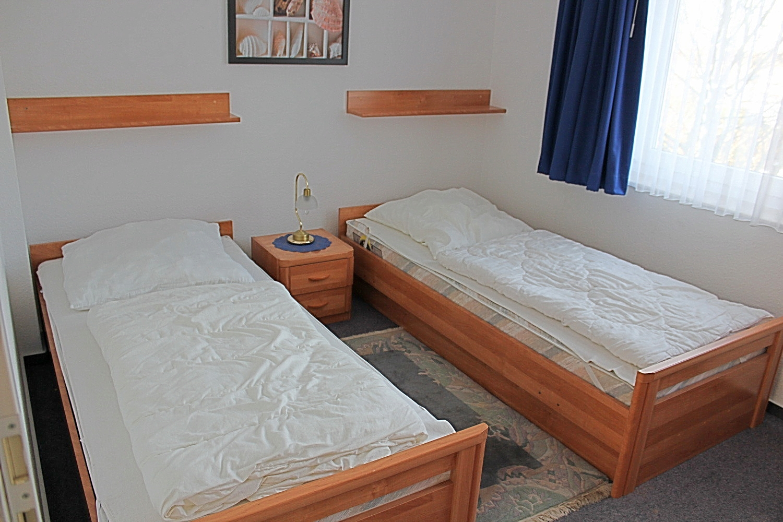 2. Schlafzimmer mit 2 Einzelbetten, SAT-TV