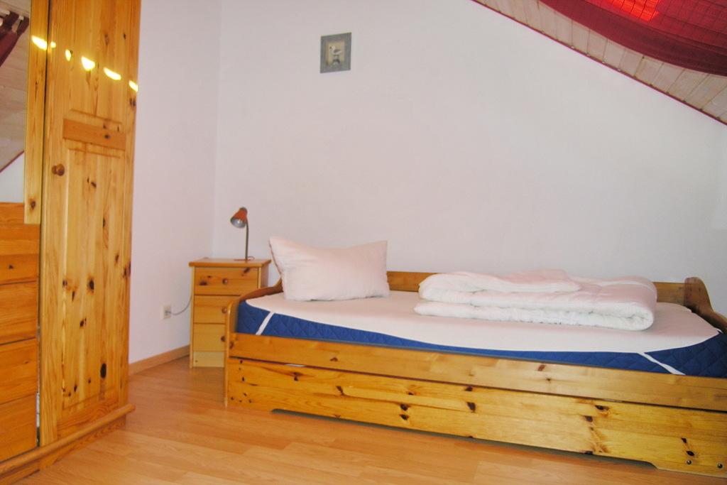 Schlafzimmer mit 1 Einzelbett