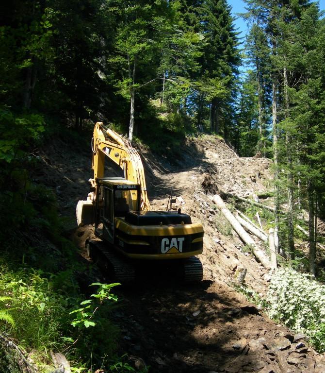 Terrassement de pistes forestières...