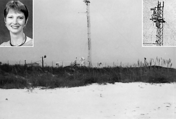 Auf diesem Turm der Eglin-Luftwaffenbasis bei Gulf Breeze, Florida, befindet sich eine elektromagnetische Strahlenwaffe, die von Leah Haley  fotografiert wurde.