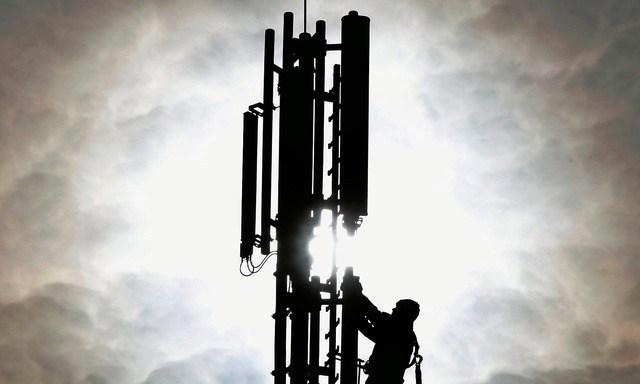 Gipfelstürmer: Der neue 5G-Standard erlaubt ein 100-mal höheres Übertragungstempo. Foto: Frank Augstein (Keystone)