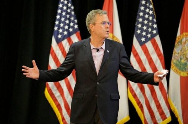 Soll über 100 Millionen Spendengelder erhalten haben: Republikanischer Präsidentschaftskandidat Jeb Bush in Longwood, Florida.(27. Juli 2015) (Bild: Keystone/John Raoux)