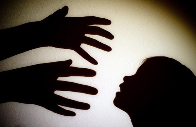 Ein Familienvater hat in Belgien seinen elfjährigen Sohn zum Missbrauch angeboten. Ein Deutscher geht darauf ein.