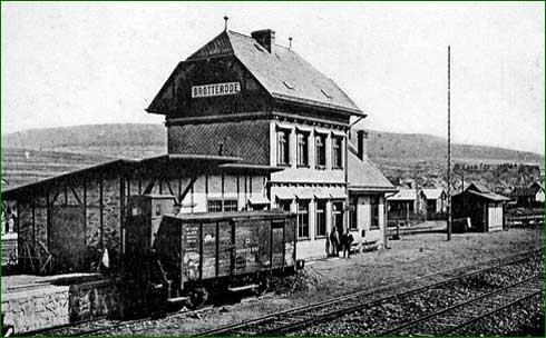 Bahnhof Brotterode kurz nach der Eröffnung.