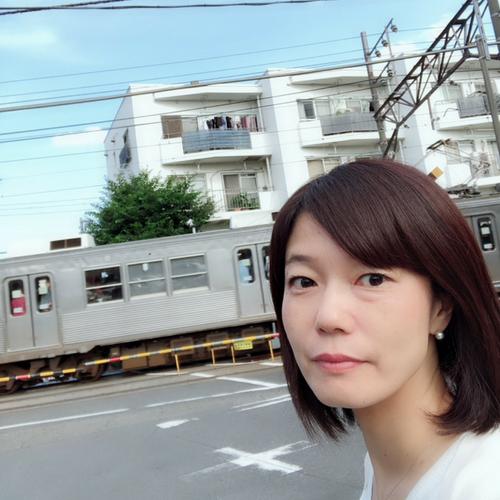 写真、沿線バージョン^ ^  オレンジと青の電車こなかった、涙。