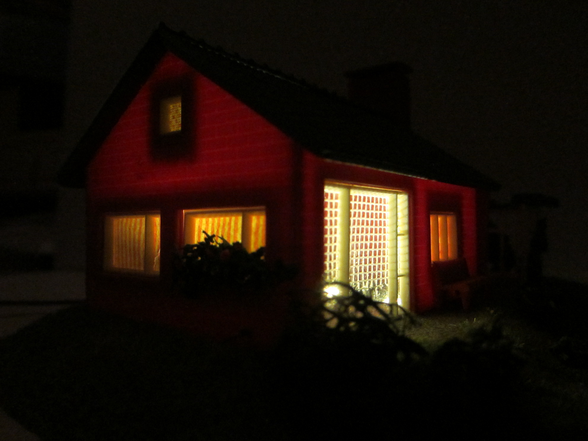 Hausbeleuchtung mit 1 x KELLTEC Universal / Häuserbeleuchtungen warmweiss