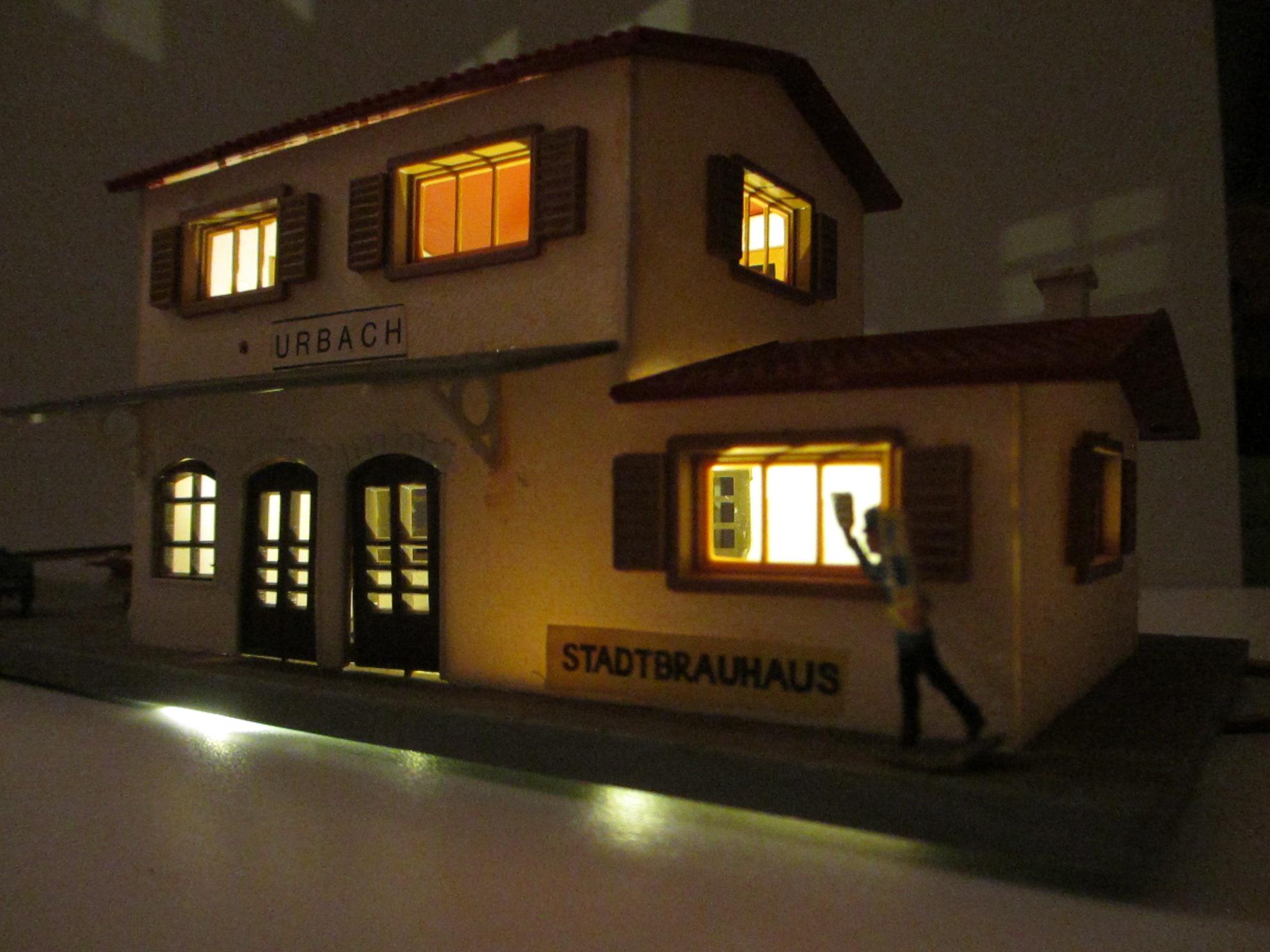 Gebäude mit 2er KELLTEC Universal / Häuserbeleuchtungen warmweiss