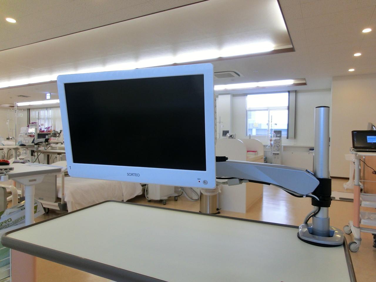 透析室ベッドサイドTV