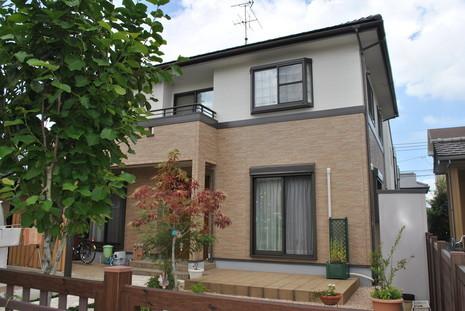 熊本Y様家。外壁クリアー塗装完成。サイディングの柄模様をそのまま残す塗装です。