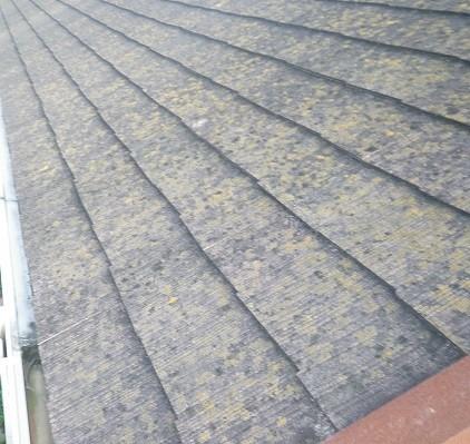 熊本T様家。コロニアル屋根の塗装前 BEFORE コケの発生。