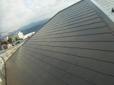 水性ルーフセラ遮熱塗装コロニアル屋根 熊本K様家。ブラック