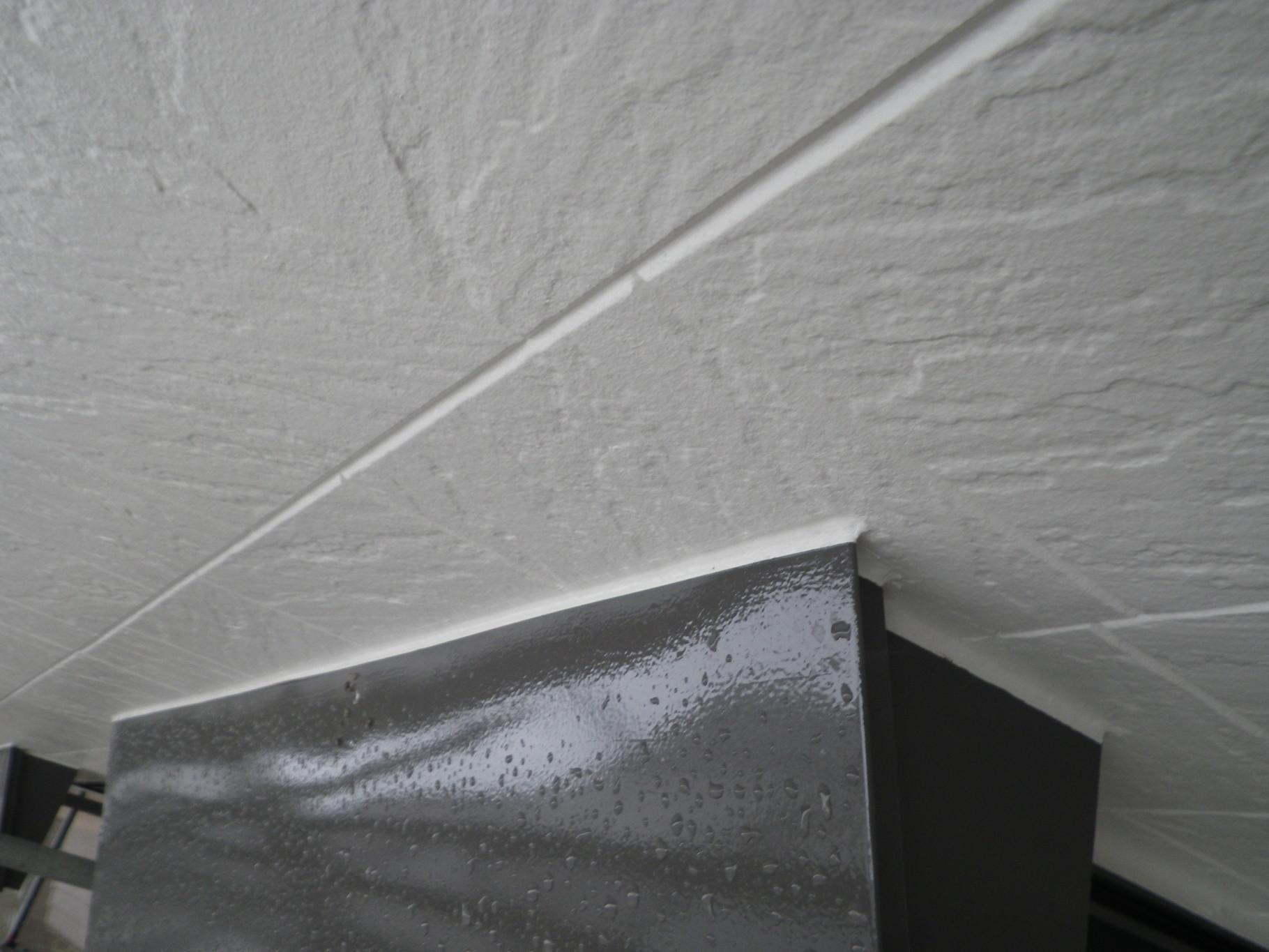 熊本市N様家の外壁塗装及び屋根塗装時。外壁と鉄板庇屋根の塗り替え完成。