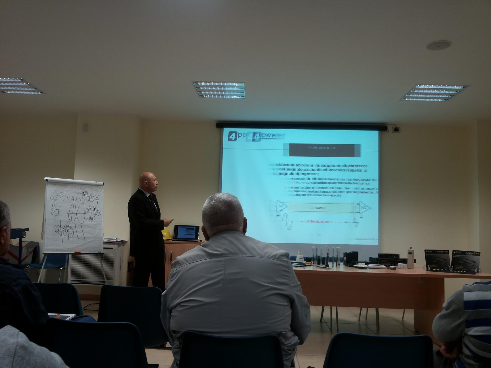 Corso di Fibra ottica,sistemi attivi, Ups