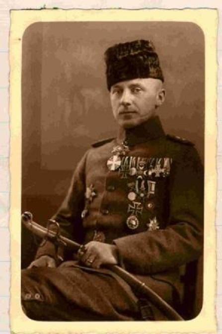 """Wilhelm Hintersatz - """"Harun el Rashid Bey (Aron der Gerechte)"""" hochdekorierter Veteran in osmanischen Diensten, später Oberst a.D. in Berlin zeitgenössisches Photo (Internet) Er wanderte später nach Südamerika aus."""