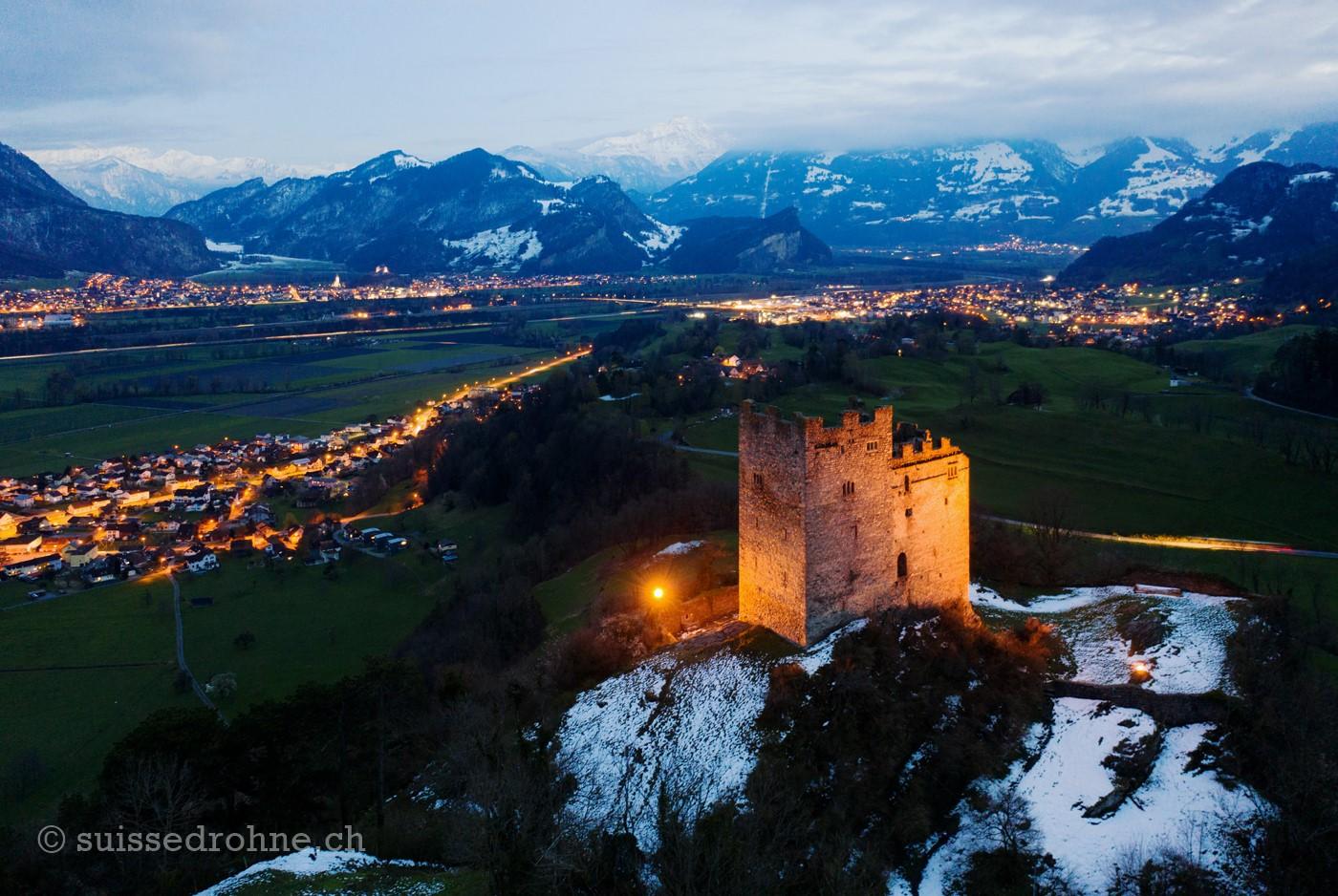 Burg Wartau, Weite/Azmoos