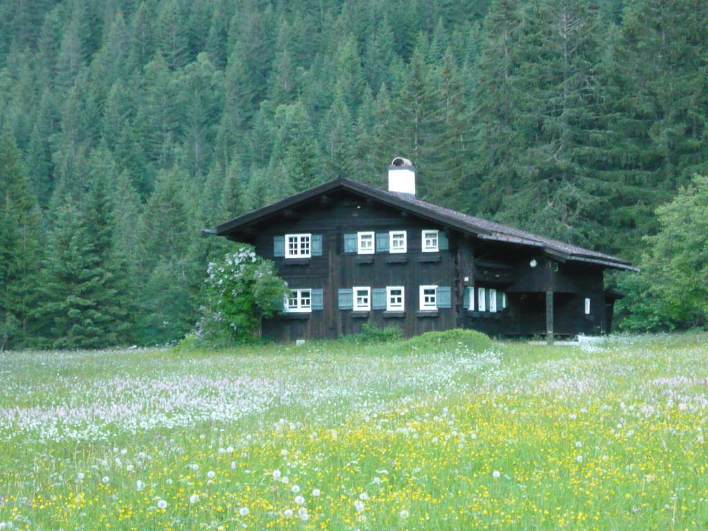 Das älteste Haus im Kleinwalsertal befindet sich nur 150m vom Landhaus Braun entfernt