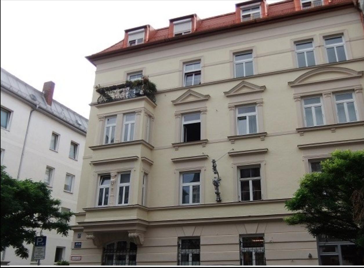 Denkmalschutz in München - Balkon und Fassade
