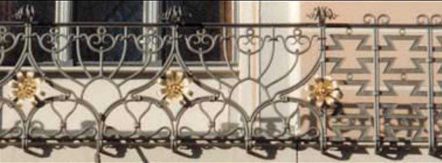 renovierte Balkongitter - ein Augenschmaus bis ins Detail