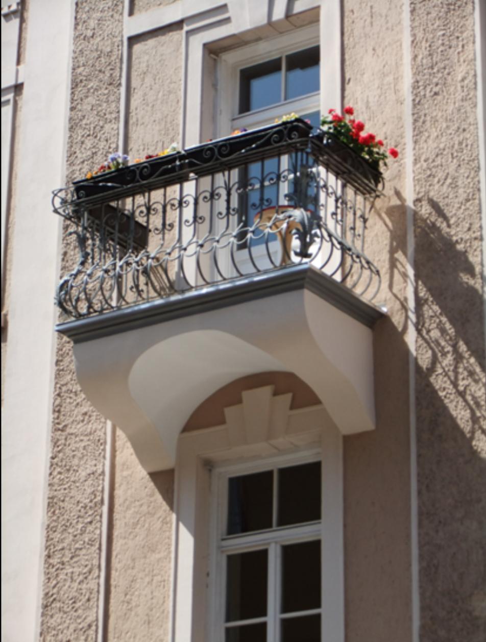 Sanierung eines historischen Balkons (Denkmalschutz)