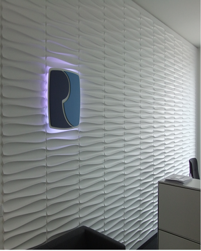 Wandverkleidung in Wellenoptik für gewerbliche Räume