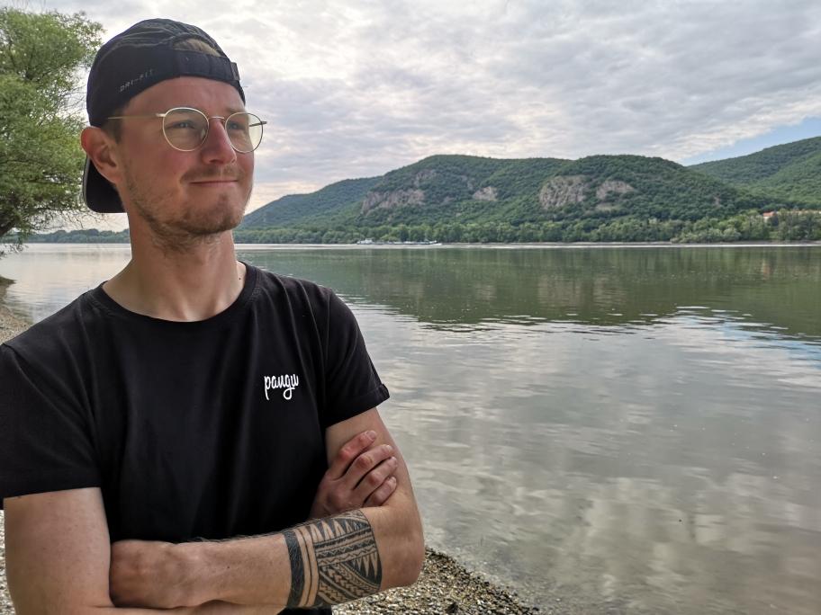 Ich in bester Posermanier an der Donau