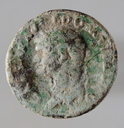 Das Gesicht gehört dem römischen Kaiser Augustus 27 v.-14 n. Chr.