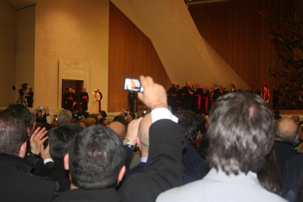 l'ingresso del Santo Padre in Sala Nervi