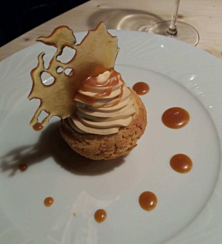 Chou léger tout caramel - restaurant Un Chef en Salle