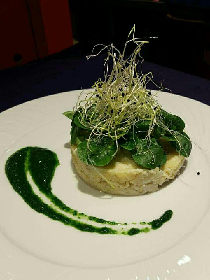 Parmentier de colin et sa sauce fraîche et verte - restaurant Un Chef en Salle