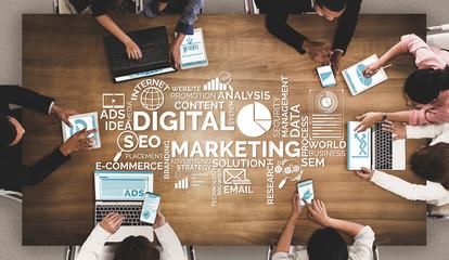 WEB広告の比重が高まる傾向が顕著