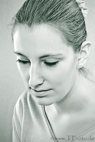 Infrarot-Portrait einer jungen Frau