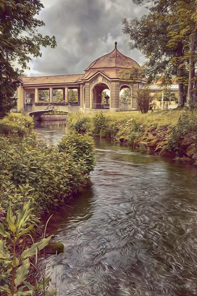 Pavillion mit Brücke an einem Fluß