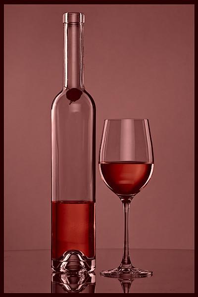 Weinflasche mit Glas