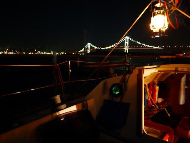 室蘭港 白鳥大橋ライトアップと ハリケーンランプ