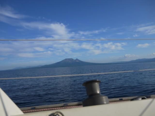 森沖近く 駒ケ岳を海から見る