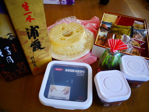 札幌旭川でもらった プレゼントと手作りシフォンケーキ