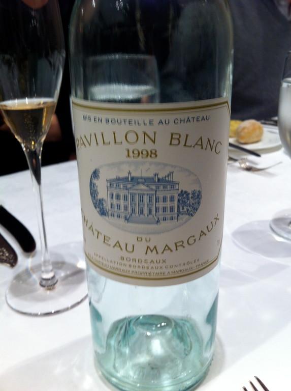 マルゴーのパピヨンブラン 若々しくオイリーで火打石 ふくらみのあるワインでした