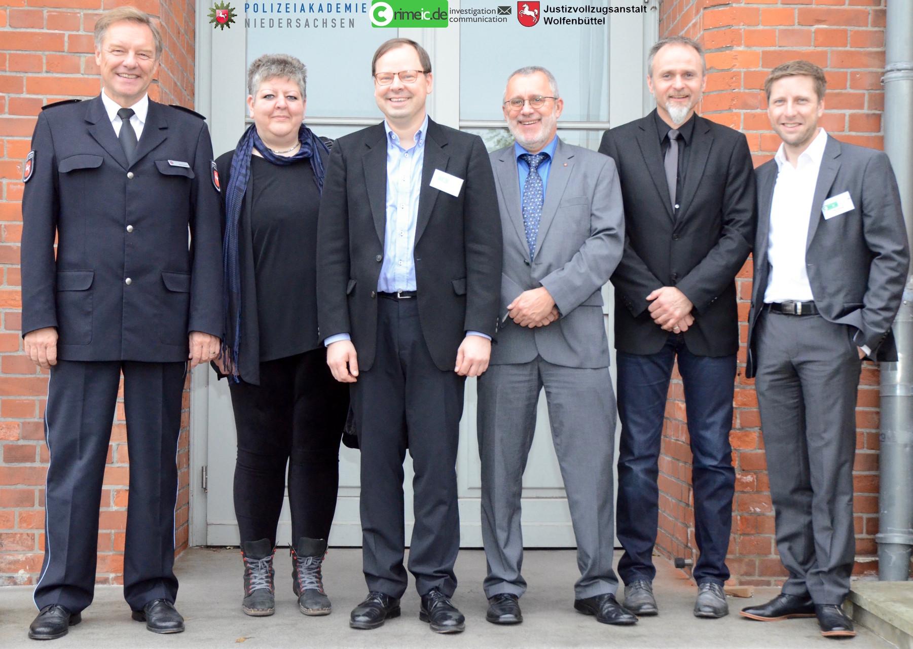 Die Kooperationspartner von crimeic (von links nach rechts): Dieter Buskohl, Daniela Klimke, Peter Lutz Kalmbach, Dieter Münzebrock, Horst Peltzer & Tim Krenzel. (Bildquelle: Nicole Barthel / Polizeiakademie Niedersachsen)