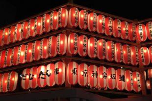 神楽坂祭りのちょうちん