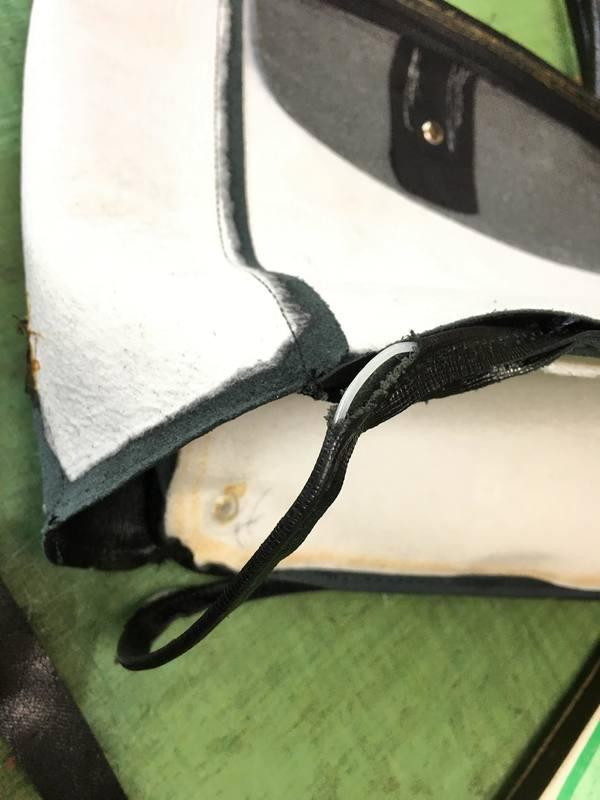 革鞄のパイピング修理