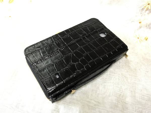 手帳型スマホケースを、お財布ケータイケースにリメイクーーカメラ穴