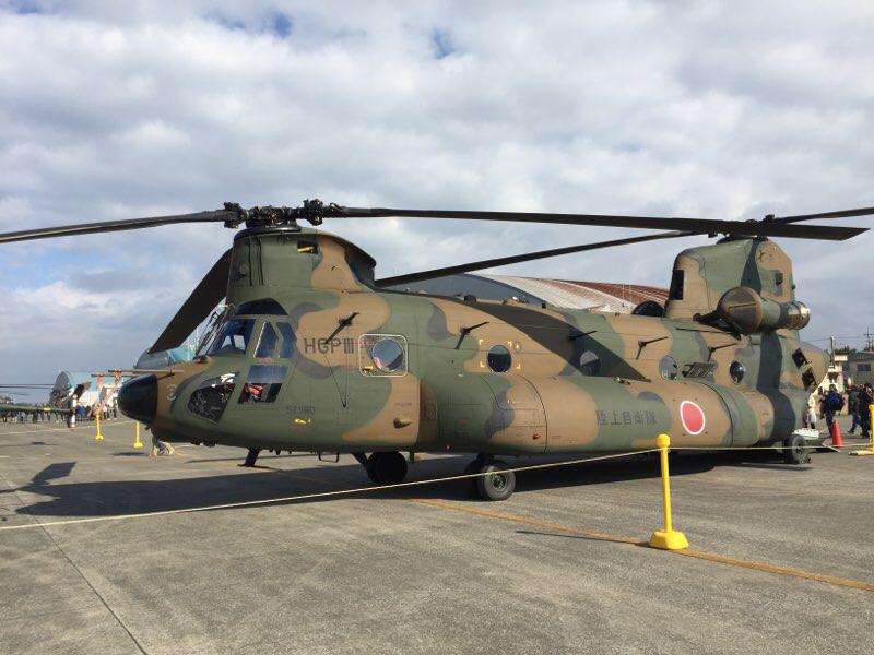CH-47JAチヌーク輸送ヘリ